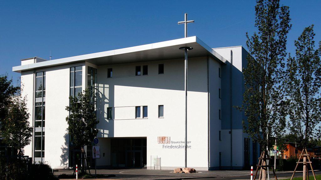 Braunschweiger_Friedenskirche_Frontansicht_1